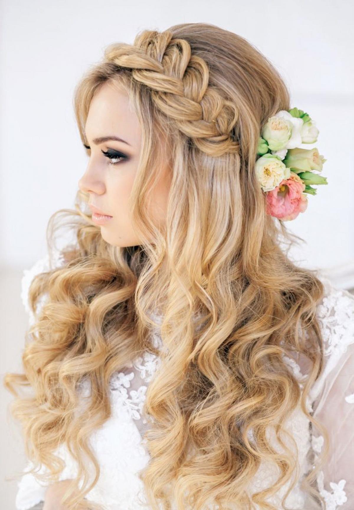 Свадебные прически с косами: фото, плетение с челкой и без на